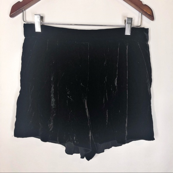 Aritzia Pants - Aritzia T. Babaton Black Velvet Shorts